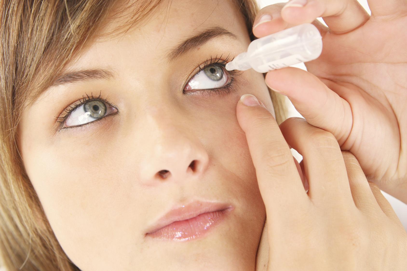 augentropfen kontaktlinsen