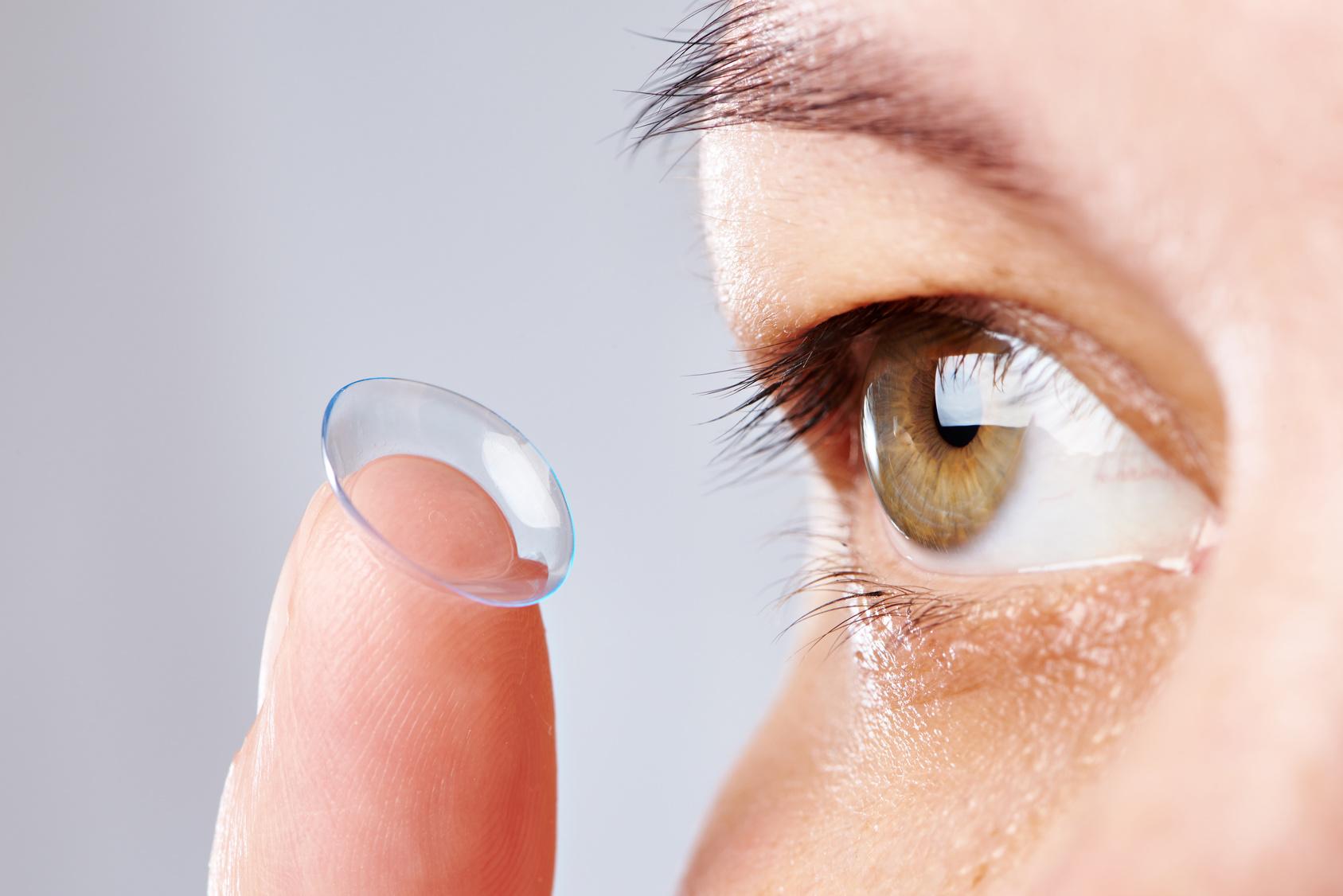 kontaktlinsen rausnehmen